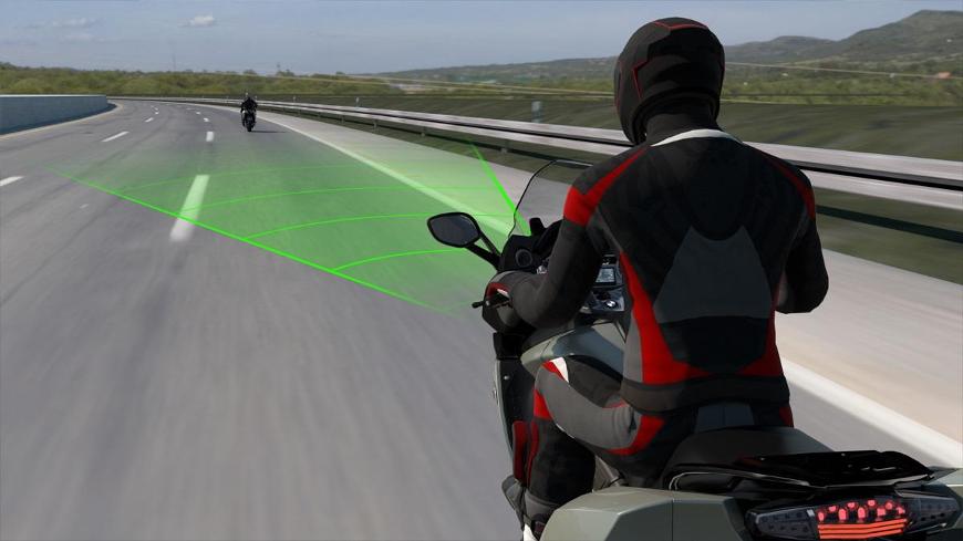 BMW présente l'ACC, le premier régulateur de vitesse actif pour moto
