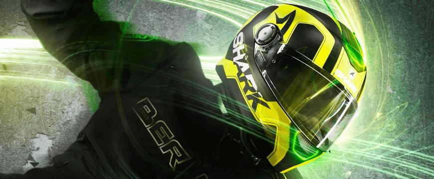 casque moto haute visibilité pour être davantage visible de nuit