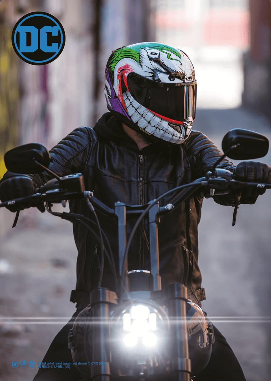 le casque hjc joker porté par un motard