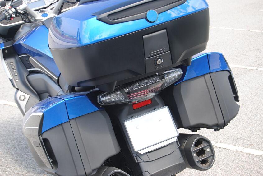 nécessaire pour voyager à moto