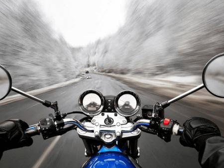 Se protéger du froid à moto